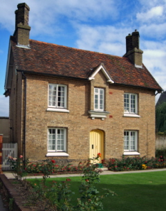English Cottage Plans & Traditional Victorian Home Plans